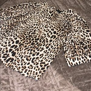 🌺Worthington Leopard Print Blouse🌺